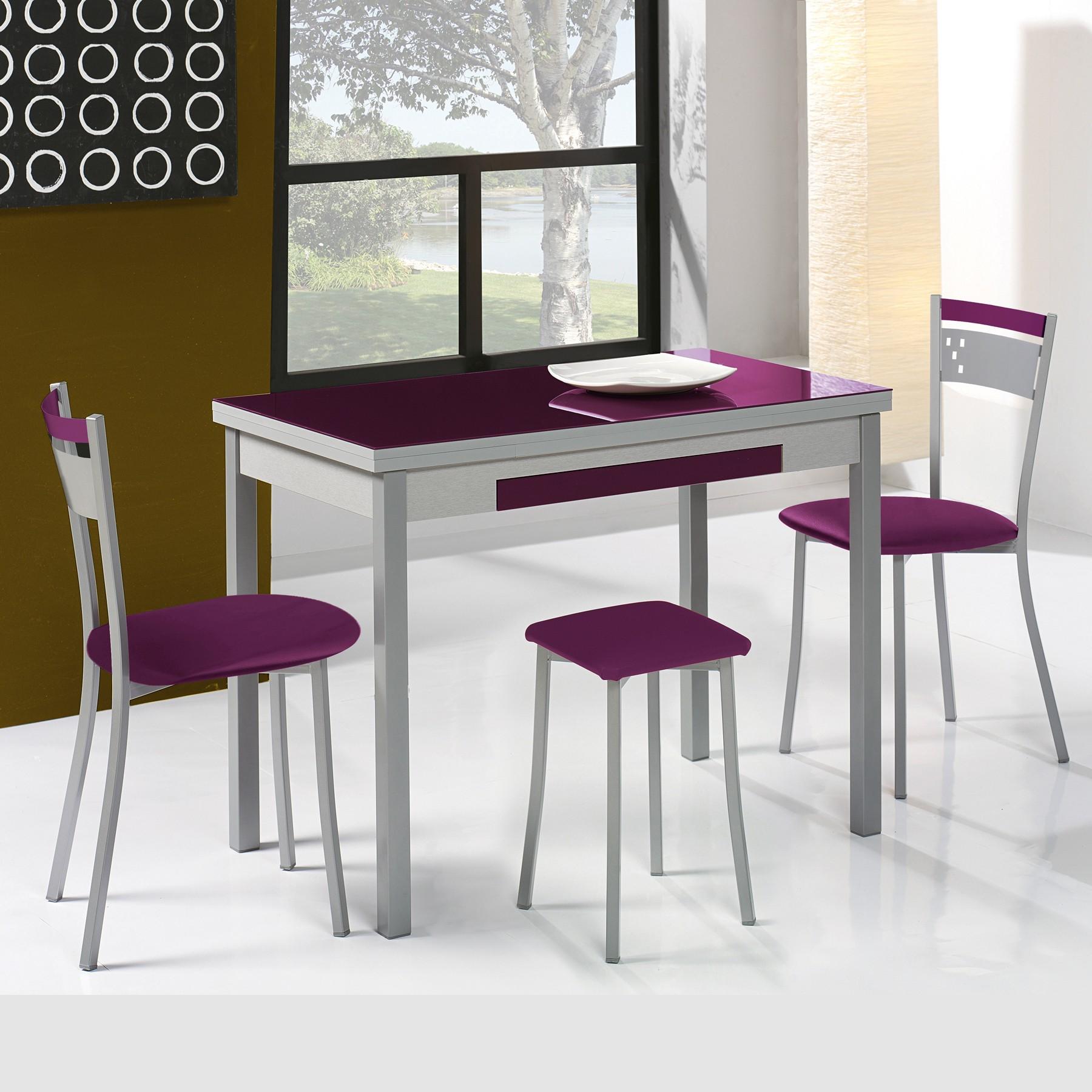 Conjunto de mesa y sillas for Mesas y sillas de cocina comedor