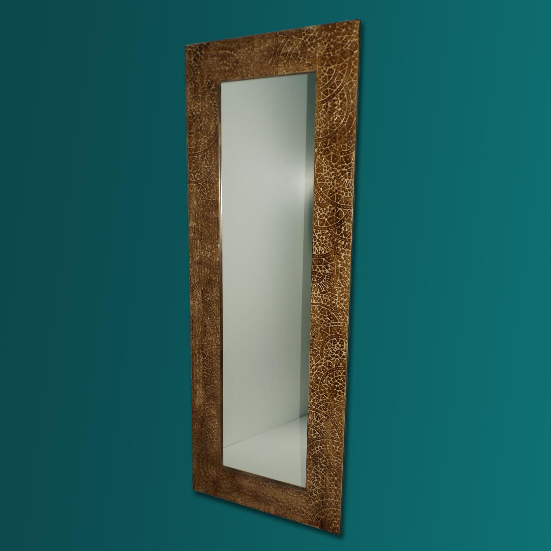 espejo artesanal de suelo hecho a mano modelo indo