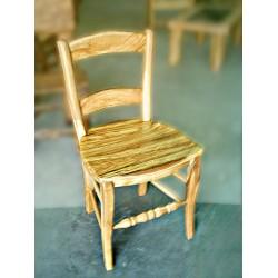 Silla de asiento liso en madera de olivo Docio
