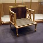 Silla egipcia datada en els. XIV a. C. Muebles.